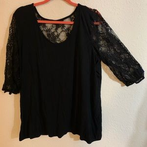 Maurices 3/4sleeve. Black lace sleeves